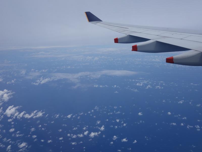 ITとマネジメントとを武器に世界を飛び回る海外IT企業CTOのブログ-飛行機より