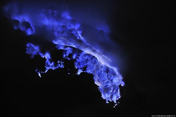O BLUE LAVA 3 900